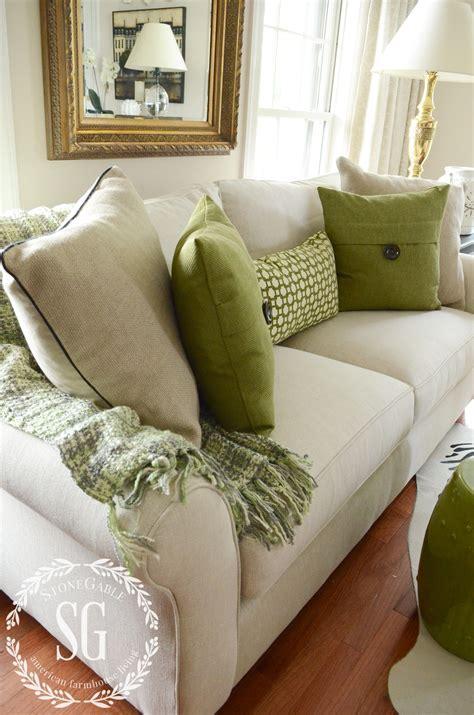 green sofa pillows 5 no fail tips for arranging pillows green pillows