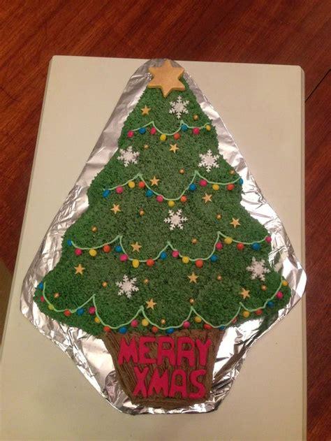 wilton christmas tree cake christmas cake pinterest