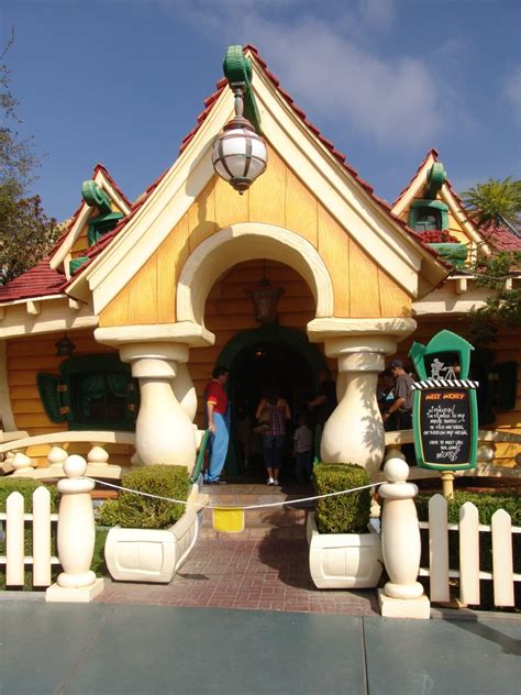 mickey mouse house mickey mouse house 01