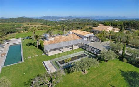 Location de villa prestige avec piscine vue mer photos tournages Saint Tropez Lieux Lieu à