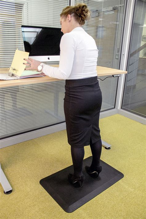 Standing Mats For Work by Orthomat 174 Office From Coba Europe Sets The New Standard