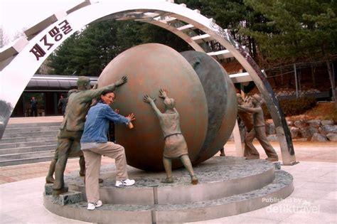 Piring Pajangan Dari Korea Selatan ssst ada terowongan dari korea selatan ke korea utara