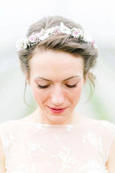 Hochzeitsfrisur Blumenkranz by Hochzeitsfrisuren Mit Blumenkranz