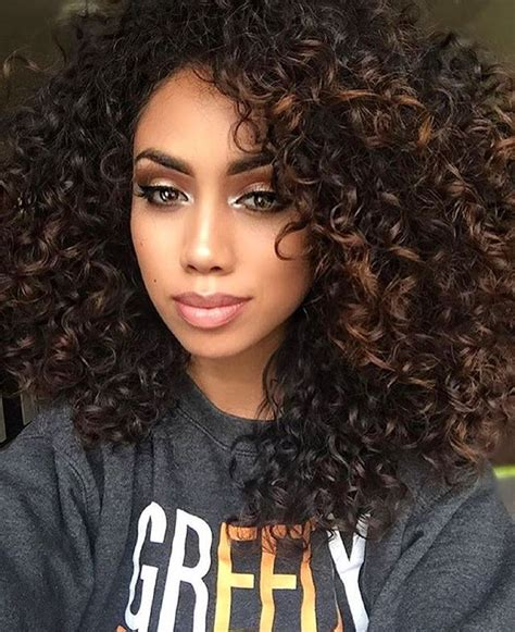 getting hair curled and color 25 best ideas about highlights curly hair on pinterest