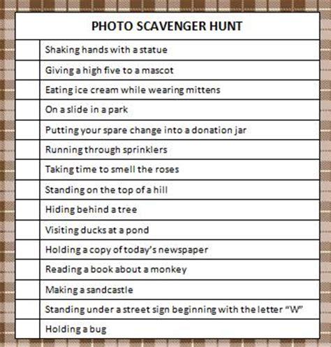 photo scavenger hunt (free printable) moms & munchkins