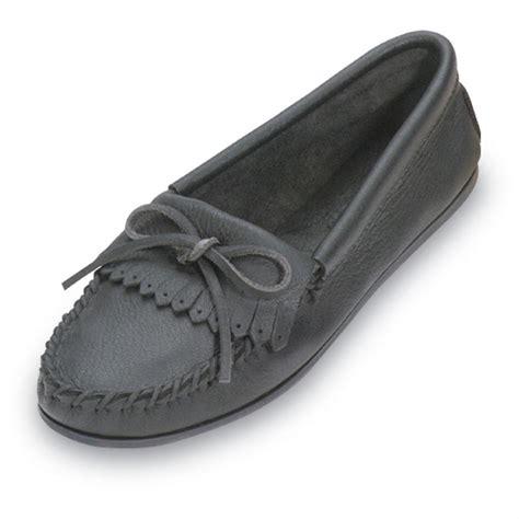 deerskin slippers s minnetonka 174 moccasin deerskin soft t moccasins