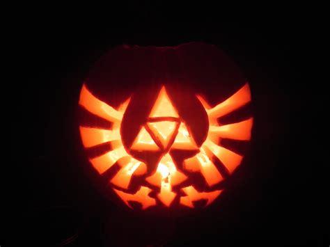 zelda pumpkin pattern legend of zelda pumpkin carving by silvertwilight2 on
