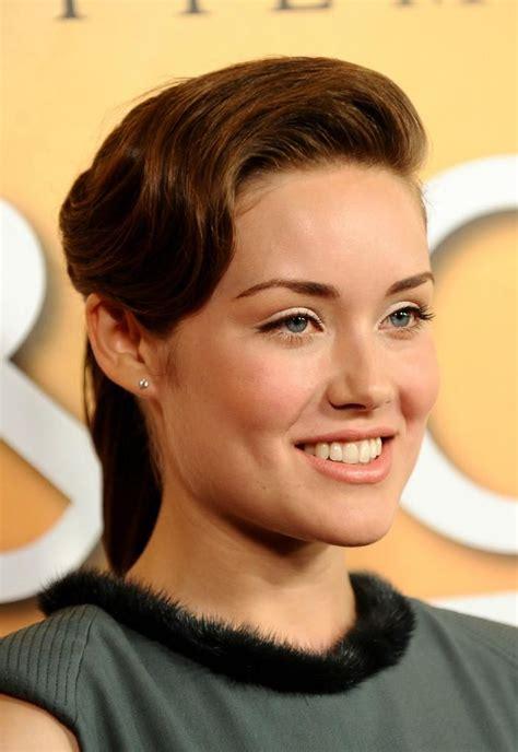 blacklist lizzy actres megan boone american actress stars as fbi profiler