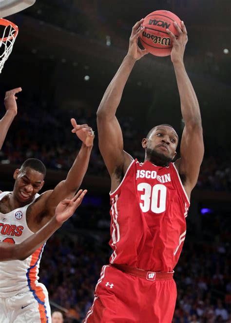 Wisconsin Vs Florida Mba by Photos Wisconsin Vs Florida In The Sweet 16 Wisconsin