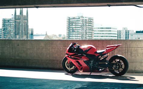 red motorbike موتور سیکلت