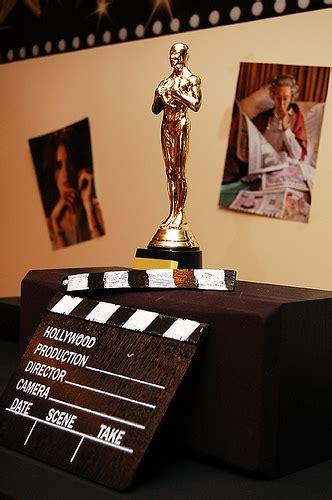 White Party Decor How To Throw An Oscar Party Huffpost