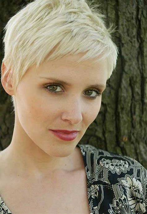 crop hairstyles for 50 50 smashing pixie haircut trends for 2017