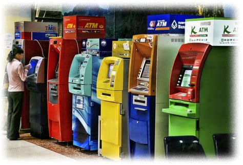 banks in thailand how to avoid paying 200 baht thai bank atm fee