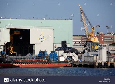 general dynamics electric boat works in new london - Electric Boat Works
