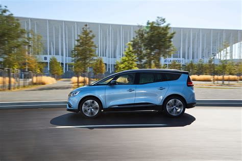 renault grand renault drops massive gallery with new scenic grand