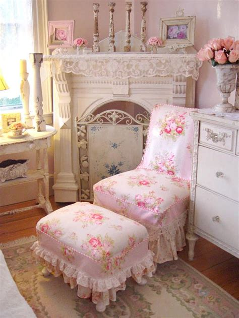 the shabby chic cottage the use of flowers in the shabby chic look flowers from
