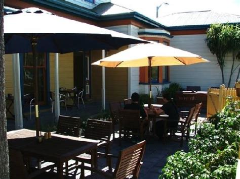 yellow house restaurant yellow house cafe whanganui restaurant reviews phone number photos tripadvisor