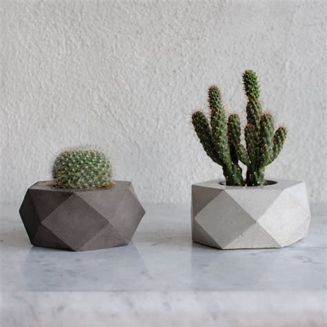 concrete succulent planter ore concrete succulent planter by factolab on etsy