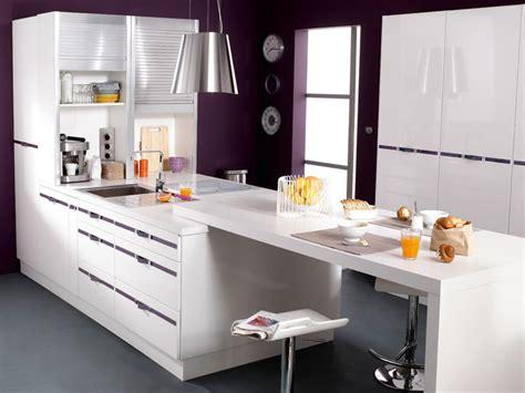 cuisine style bar bar de cuisine design qui prolonge une plaque de cuisson