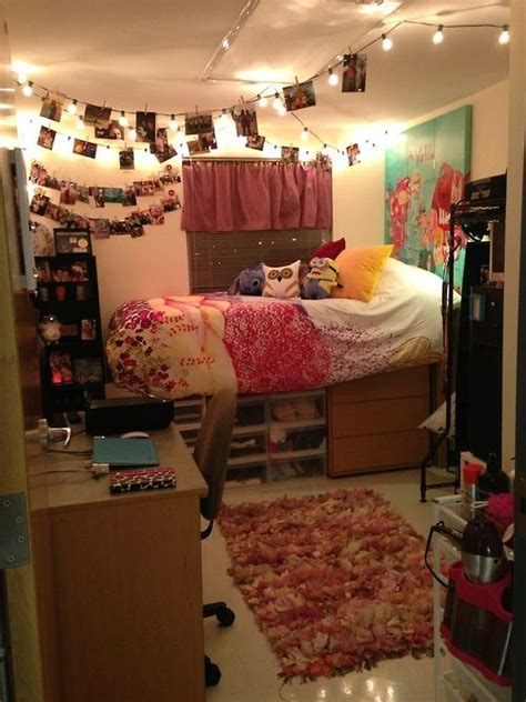 cute dorm room ideas one of the cutest dorms i ve ever seen and totally doable