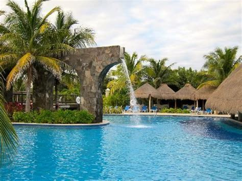 Valentin Imperial Maya, Playa del Carmen   Places I've
