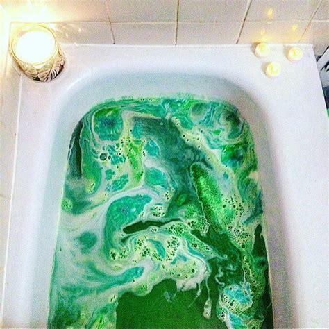 bathtub art best 25 lush bath bombs ideas on pinterest lush bath