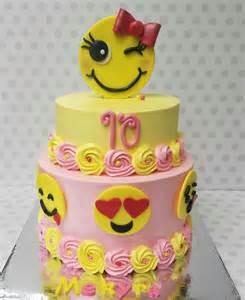 wedding cake emoji emoji cake cake by pastry bag cake co cakesdecor