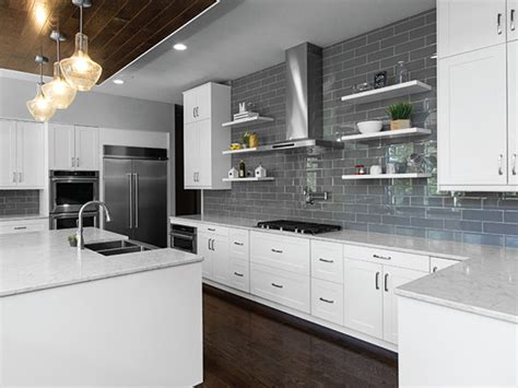 Kitchen Inspiration Str 214 Mma 174 Shaker Painted White Kl 203 Arvūe Cabinetry 174