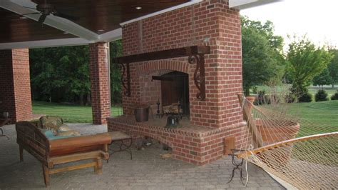 Brick Outdoor Kitchen | how to build outdoor kitchen with fireplace