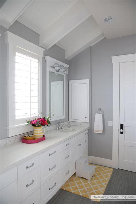 girls bathroom decor  sunny side  blog