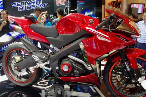 Emblem Yamaha Vixion Lightning Original modifikasi yamaha new vixion lightning fairing oleh
