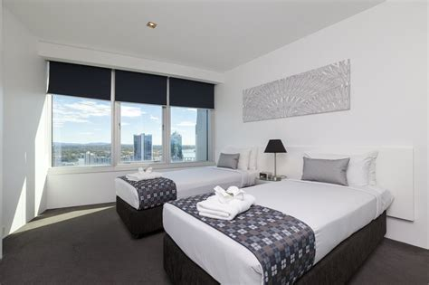 resorts  bedroom spa apartment gold coast