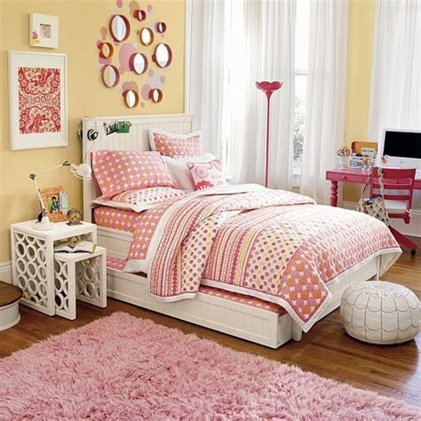 teen bedding ideas yellow and pink room ideas light makes this room so inviting love the retro looking