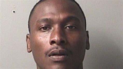 Search Outstanding Warrants Four Arrested Officers Search For Suspects With Outstanding Warrants Wear