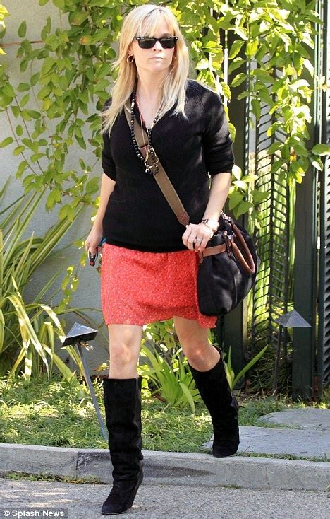 Norton To Name Purse After Reese Witherspoon by Best 25 Reese Whitherspoon Ideas On Reese