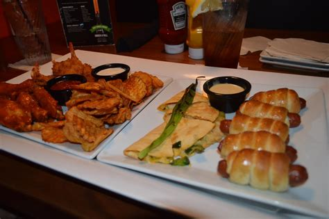 dave and busters food dave and busters orlando review orlando fun and food