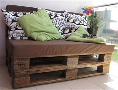 Full pallet sofa bench with tables easy pallet sofa with cushion diy