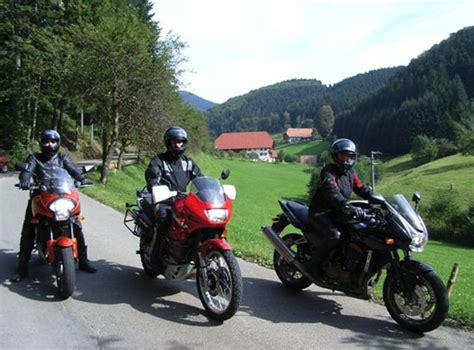Motorrad Garage Baden by Umgebung Gasthaus Zum Engel In Fischerbach Im