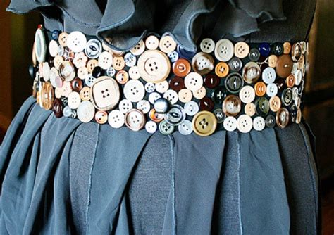 diy projects with buttons 11 easy diy buttons jewelry projects jewelry from