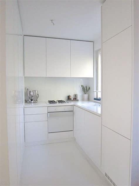 imagenes completamente blancas small low cost cocinas con electrodom 233 sticos blancos