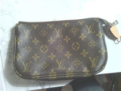 Louis Vuitton Make Up Kit Eyeshadow Blush On Lipstick free vintage louis vuitton makeup bag sp1808 wallets accessories listia auctions for