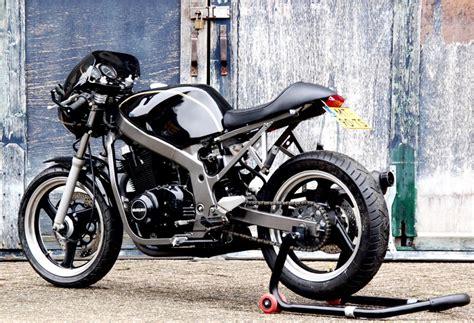 Suzuki Gs500s Suzuki Gs500 Cafe Racer By Motolifestyle Bikebound