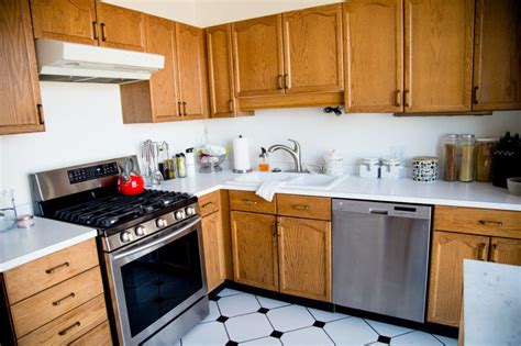 paint wooden kitchen cabinets great how to paint wood kitchen cabinets girl nesting