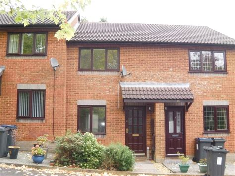 2 bedroom house birmingham 2 bed house town house to rent mill brook drive birmingham b31 2ys