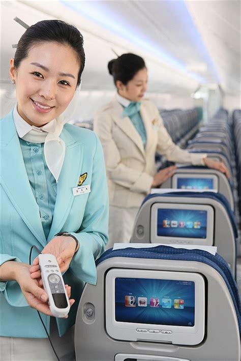 Korean Air Cabin Crew by Korean Air Next Generation B737 900er Aircraft By Korean Air Ke Via Flickr