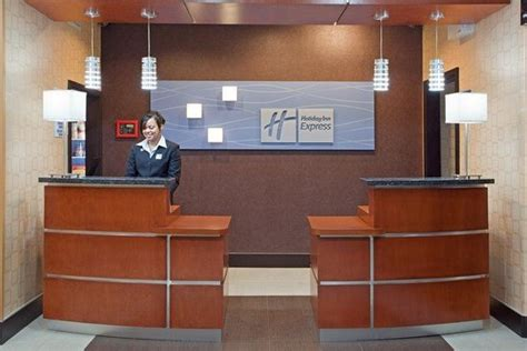 holiday inn front desk 301 moved permanently