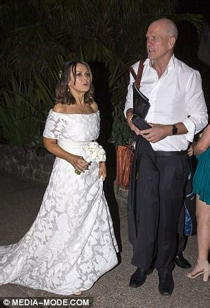lisa wilkinson renewing her vows with peter fitzsimons