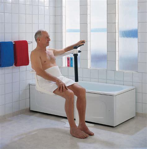schwenklift badewanne was f 252 r ein badewannenlift ist am bequemsten q domus