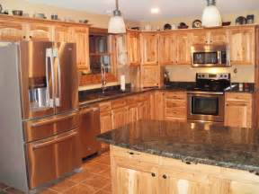 Jasper Kitchen Cabinets by Schuler Cabinetry Jasper 175 In X 145 In Natural Hickory
