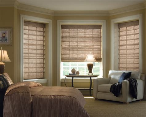 Living Room Blinds Ideas Fascinating Yellow Wall Color For Bedroom With Awesome Bay Window Design And Blinds Also Paired